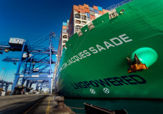 MEGASHIPS. The CMA CGM JACQUES SAADE calls TTI Algeciras for the first time